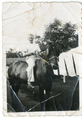 Bakker Florent Vertriest te paard