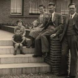 Stijn Streuvels op familiebezoek in Machelen-aan-de-Leie