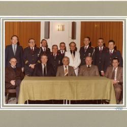 Het bestuur van de Deinse fanfare Sint-Cecilia  anno 1980