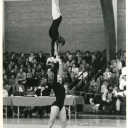 Deinse acrogymnasten aan het werk tijdens het Belgisch kampioenschap