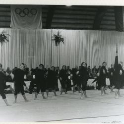 Jazzdance tijdens de turnshow van Sportac
