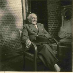 Een lachende Antoon Van Parys