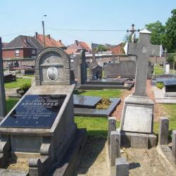 Oorlogsgraf Liboor Slock op begraafplaats Deinze