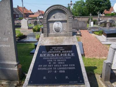 Oorlogsgraf Joseph Henri Versichele op de begraafplaats van Deinze