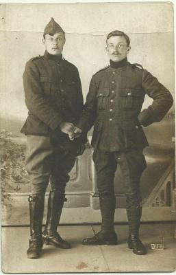 Poserende soldaten