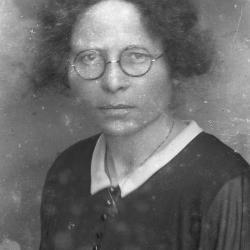 Alice Claeys, bibliothecaresse van Eke