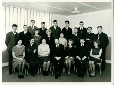 Het lerarenkorps van de Rijksmiddelbare School van Gavere.