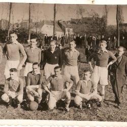 RC Gavere uit 1941-1942, kampioen in één van de 4 hoogste gewestelijke reeksen (1ste provinciales: Waasland, Dender, Schelde-Leie en Gent-Eeklo)