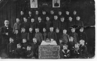 De jongensschool van Nazareth bedankt de Amerikanen