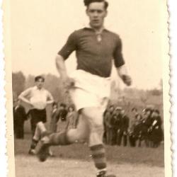 Rufin De Vos (RC Gavere, 1944-45) trekt een spurtje