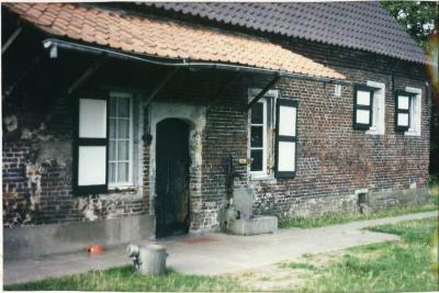 Achterkant van de hoeve van de familie De Bruyne in de Zevergemse Weldendreef