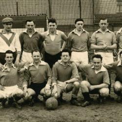 Een Engelse voetbalploeg op bezoek in Nazareth