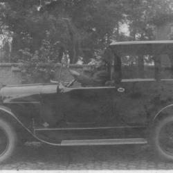 De automobiel van baron della Faille