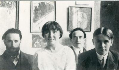 Het gezin De Smet in Gustaaf's atelier in Amsterdam