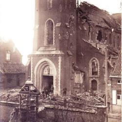 De vernielde parochiekerk van Olsene
