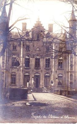 Het zwaar beschadigde kasteel van Olsene