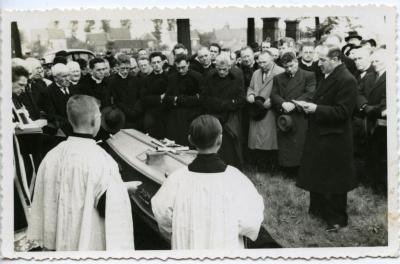 De teraardebestelling van pastoor Seyssens