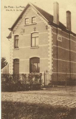 De villa van de Pintse bloemisterij De Vos