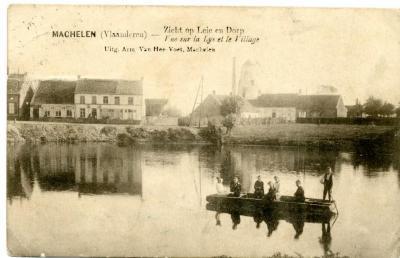Bootje varen op de Leie ter hoogte van Machelen-dorp