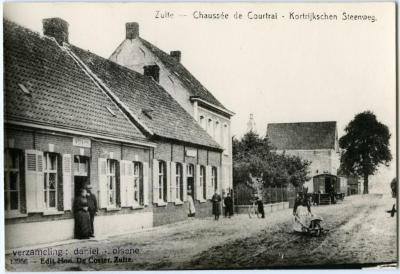 'Den Kortrijkschen Steenweg' in Zulte omstreeks 1900
