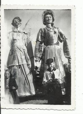 Tonus en Tonia in de Gaverse reuzenstoet