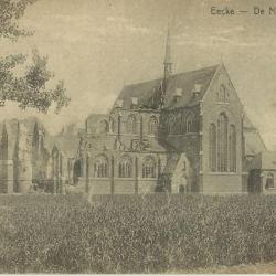 De vernielde nieuwe Eekse kerk
