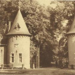 De toegang tot het park van het kasteel van Ooidonk