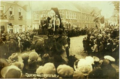 De 'Duitse keizer' in de Olsense vredesstoet