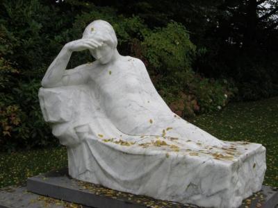 Het graf van Emiel Claus