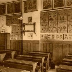 Een klas in het Machels pensionaat