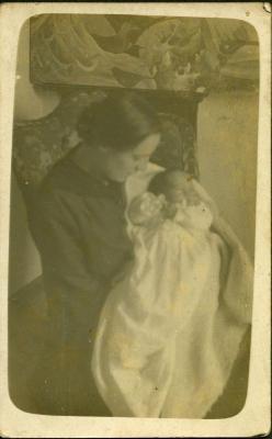 Moeder Marie Minne en kind