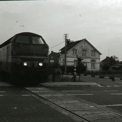 De trein komt aan in het station van Eke