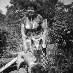 Germaine en trouwe herderhond