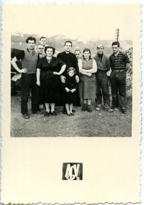 Een ploeg seizoensarbeiders in Saint Leu d'Esserant