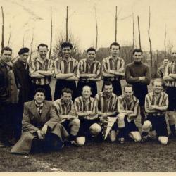 Engelse voetbalploeg op bezoek in Nazareth, 1956-1959